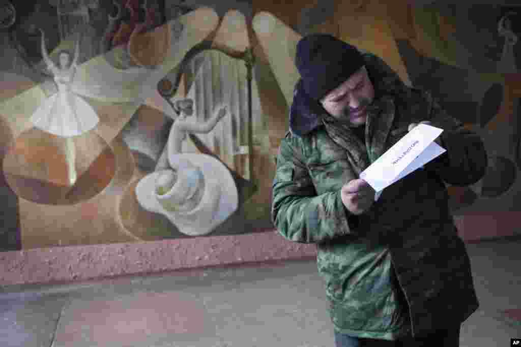 Rusiya tərəfdarı separatistlərin hərbi bazasında seçki məntəsəqi