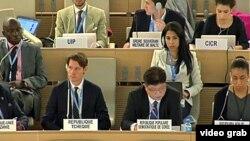 제네바 주재 북한대표부의 김영호 참사(아래 오른쪽 2번째)가 15일 유엔인권이사회에서 북한인권사무소 서울 설치를 비난하는 발언을 하고 있다.