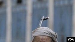 Salah seorang warga suku Yaman yang ikut berperang melawan militan.