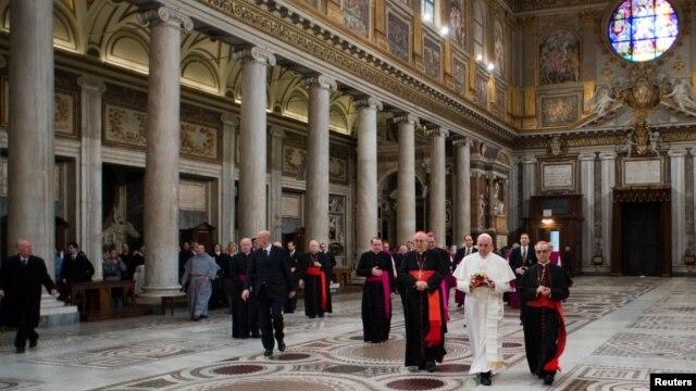 Dita e parë e Papa Françeskut