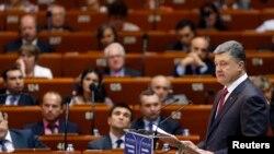 Ukrajinski predsednik Petro Porošenko obraća se Parlamentarnoj skupštini Saveta Evrope u Strazburu, 26. juna 2014.