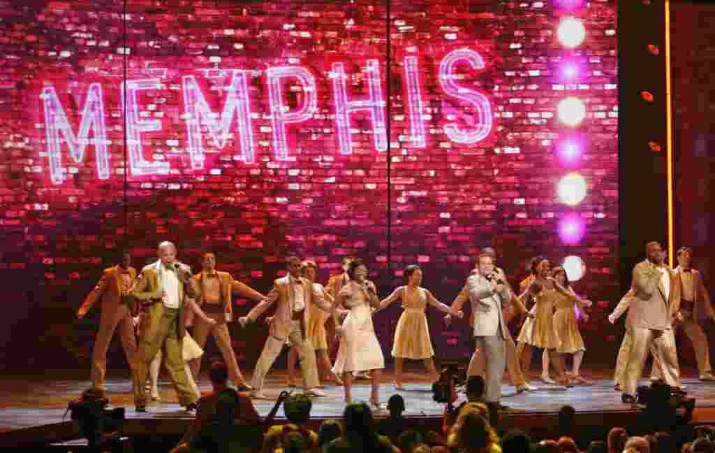 """Otra de las presentaciones de la noche de premiación estuvo a cargo del elenco de """"Memphis""""."""