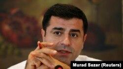 HDP Eş Başkanı Selahattin Demirtaş, Meclis Grubu toplantısında yaptığı açıklamada 'Sayın Recep Tayyip Erdoğan, seni başkan yaptırmayacağız' demişti