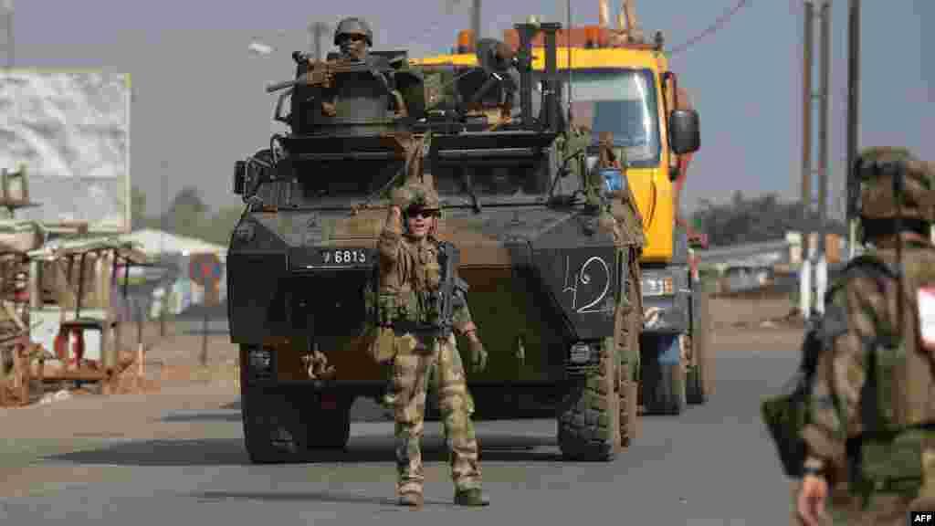 Les forces militaires françaises Sangaris postées à Bangui, le 25 décembre 2013