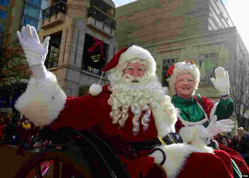 Санта-Клаус и миссис Клаус