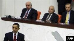 Başkan Obama geçen yıl Türkiye Büyük Millet Meclisi'nde konuşma yaparken