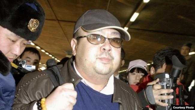 金正男2007年2月在北京機場(日本共同社)
