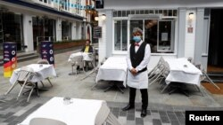 A restaurant, after it reopened following the coronavirus disease (COVID-19) outbreak, in London, Britain, July 5, 2020.