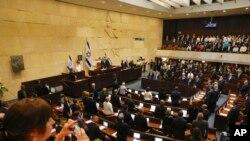 Suasana pengambilan sumpah di Knesset, parlemen Israel di Yerusalem, 30 April 2019. (Foto: dok).
