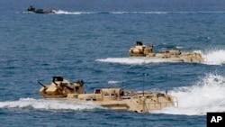 美軍與菲律賓軍隊在菲律賓以西海域舉行聯合軍演。 (2015年4月21日)