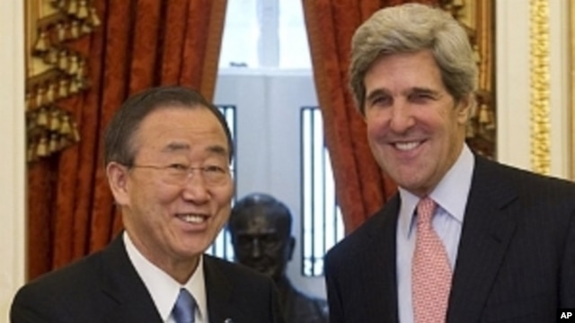 US Senate Foreign Relations Chairman John Kerry (R), shakes hands with UN General Secretary Ban Ki-moon prior to meetings at the US Capitol in Washington, DC, April 7, 2011