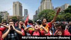 Venezuela, Caracas, sipòtè lidè opozisyon an, Juan Guaido kap chante pawòl piman bouk kont prezidan konteste, Nicolas Maduro.