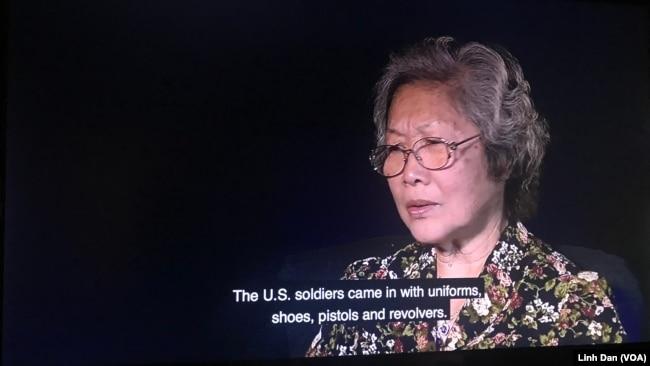 Một trong 21 người tị nạn miền Nam Việt Nam đến Mỹ được phỏng vấn trong các video trình chiếu tại triển lãm.