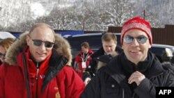 რუსეთის მმართველი პარტია საპრეზიდენტო კანდიდატად პუტინს წარადგენს