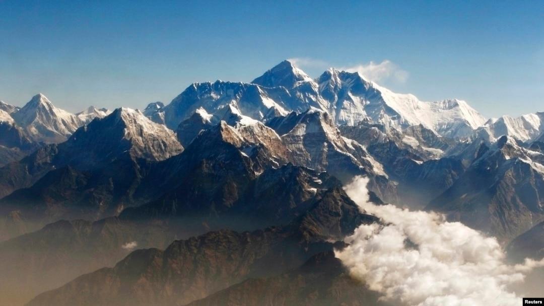 Tim Ekspedisi As Burma Picu Debat Soal Gunung Tertinggi Asia Tenggara