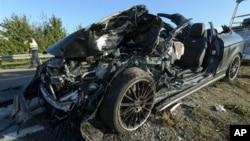 Mobil yang dikendarai Gelandang klub Hoffenheim, Boris Vukcevic, hancur setelah kecelakaan lalu lintas hari Jumat (28/9).