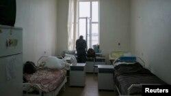 Seorang pasien HIV di Klinik Lavra, pusat perawatan khusus penderita HIV di Kiev, Ukraina, 12 September 2013 (Foto: dok).