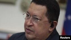 El presidente Chávez estará tiempo indefinido en Cuba en su tratamiento médico. No se conoce cuándo regresará a Venezuela.
