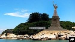 陈维明所制放在金门的民主女神像的效果示意图
