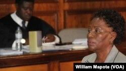 Amélia Narciso Matos Sumbana é acusada de desviar fundos para uso pessoal