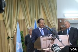 FILE - Somalia's president, Mohamed Abdullahi Farmajo, speaks about the drought in his country during a joint news conference in Mogadishu with U.N. Secretary-General Antonio Guterres, March 7, 2017. (Photo: Abdulkadir Mohamed Abdulle)
