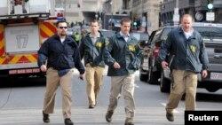 Para penyidik berharap menemukan petunjuk pemboman di Boston dari kamera yang tersebar di seluruh kota (15/4).