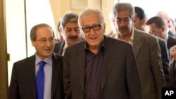 BM-Arap Birliği Özel Temsilcisi Lakhdar Brahimi Şam'da Suriye Dışişleri Bakan Yardımcısı Faysal el Mikdad ile