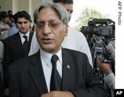 سپریم کورٹ بار ایسوسی ایشن کے سابق صدر چودھری اعتزاز احسن