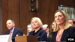 2018年2月15日,美国代助理国务卿董云裳(中)在美国国会参议院外交委员会提名听证会上。(美国之音扬之初拍摄)
