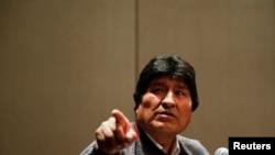 El ex presidente boliviano Evo Morales acusó en una conferencia de prensa en México el 20 de noviembre de 2019 al gobierno interino de usar una fuerza excesiva contra manifestantes pacíficos