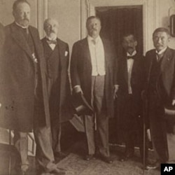 罗斯福总统与日本天皇和俄罗斯沙皇的代表合影