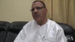 Bazoum reconnait un usage excessif de la force contre les étudiants au Niger (vidéo)