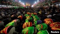 Pèlerins chiites commémorant l'Arbaeen, à Kerbala, en Irak, le 20 novembre 2016.