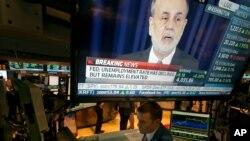 Konferensi pers dengan gubernur bank sentral AS Ben Bernanke. Bank Dunia mengatakan pengurangan stimulus moneter dari bank sentral AS tidak akan terlalu berdampak pada pertumbuhan ekonomi global 2014. (Foto: Dok)