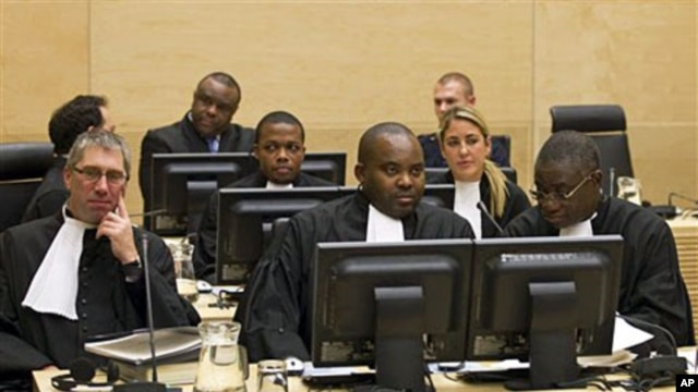 The defense council of Congo's former VP Jean-Pierre Bemba, (Center back row) is seen in the courtroom of the ICC in The Hague, 22 Nov 2010