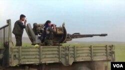 Suriye'deki YPG savaşçıları