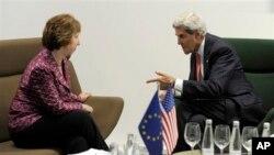 ABD Dışişleri Bakanı John Kerry, Vilnius'taki toplantı öncesinde Avrupa Birliği Yüksek Temsilcisi Catherine Ashton'la bir araya geldi.
