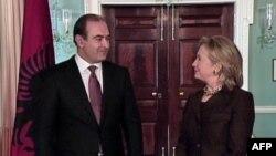 Klinton: Shqipëria, një mike dhe e aleate e SHBA në NATO