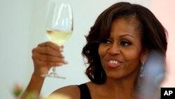 Esta misma semana, Michelle Obama también anunció que nombró a una hispana como su directora de Comunicaciones.