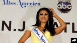 15일 미국 뉴저지주 애틀랜틱시티에서 열린 '미스 아메리카 대회'에서 인도계 여성 니나 다발루리가 우승을 차지했다.