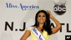 "Nina Davuluri (24) meraih gelar ""Miss America 2014"" di Atlantic City, New Jersey (15/9)."