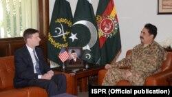 امریکی سفیر ڈیوڈ ہیل نے راولپنڈی میں جنرل راحیل شریف سے ملاقات کی۔