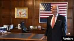美國商務部長羅斯在華盛頓他的辦公室。