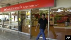 La nacionalización del Banco de Venezuela se produjo cuando se interrumpió la administración de la entidad bancaria por parte del Grupo Santander en 2009 durante la gestión del fallecido presidente Hugo Chávez.