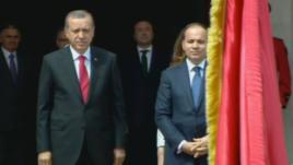 Presidenti turk Erdogan viziton Tiranën