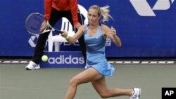 Klara Zakopalova, petenis Ceko, melaju ke babak semifinal turnamen Shenzhen Terbuka setelah mengalahkan unggulan kedua Bartoli (foto: Dok).