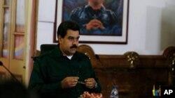 Nicolás Maduro debe tomar decisiones para controlar una crisis que remonta el 60% de inflación anualizada en mayo.