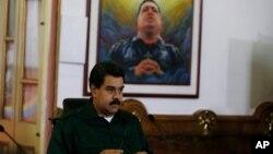 El presidente Maduro dijo en días pasados que no se deslindará de la figura de Chávez.
