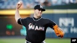 Pitcher untuk klub baseball Miami Marlins, Jose Fernandez tewas dalam kecelakaan Minggu (25/9).