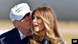 Le président élu Donald Trump et sa femme Melania Trump, 5 novembre 2016.